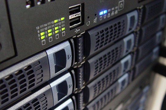 technology-computer-server-hosting